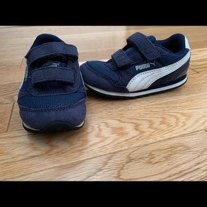 Puma boys sneakers size 7